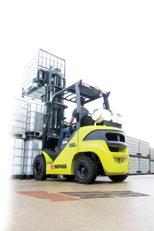 CLARK S-Series Pneumatic Tire Forklift